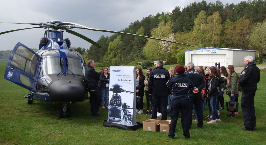 Girl's Day auf dem Flugplatz – Wie werde ich Hubschrauber-Pilotin?